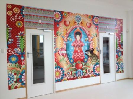 snapshot behang roodkapje, door de behangers gemaakte beelden, trotse makers.